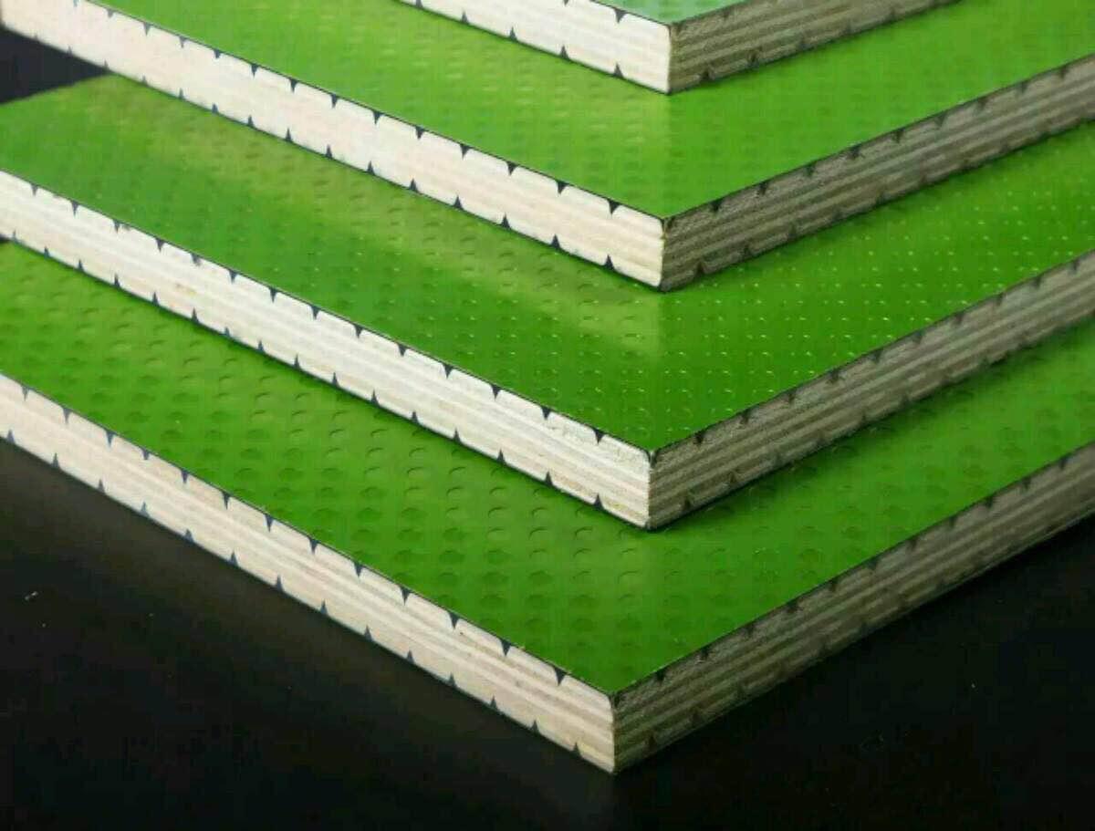 覆塑建筑模板生产